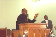 S_Rev. Albert Thompson Preaching 02.jpg (22173 bytes)