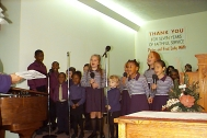 S_The Kids Choir.jpg (26404 bytes)